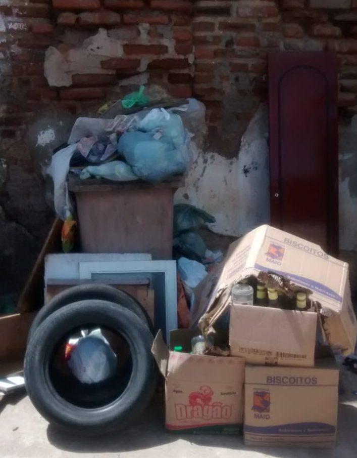 WhatsApp Image 2019 04 04 at 10.12.42 e1554404960871 - UMA SEMANA SEM O CARRO PASSAR: Moradores da Vila Nassau denunciam falta de coleta de lixo