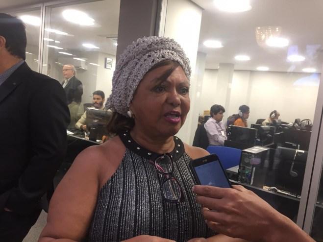 WhatsApp Image 2019 04 25 at 10.28.43 300x225 - RETROCESSO: Mãe Renilda fala sobre extinção do Consea durante sessão especial