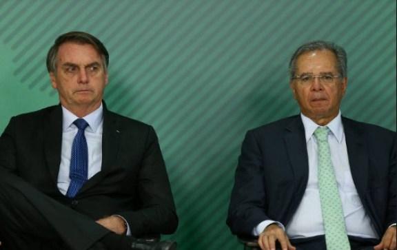 bolsonaro 4 300x189 - Guedes diz que é possível 'consertar' se Bolsonaro 'fizer alguma coisa que não seja muito razoável'
