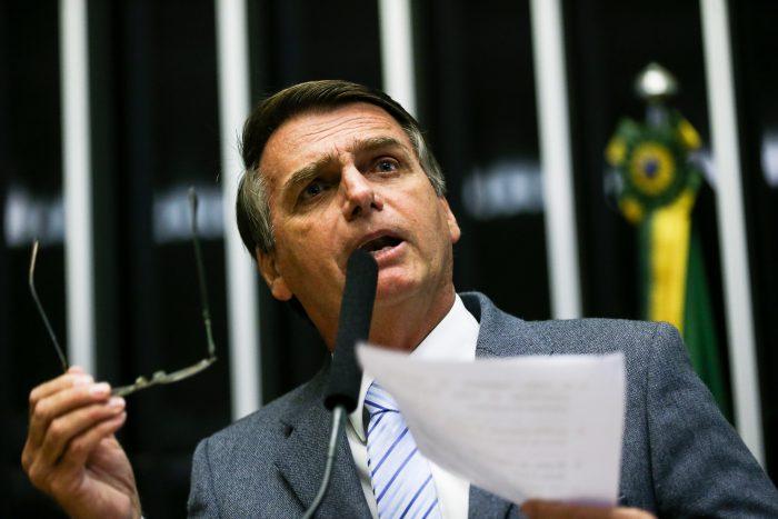 bolsonaro e1551802083407 - Bolsonaro responde críticas feitas por Lula em entrevista, 'Pelo menos não é um bando de cachaceiros'