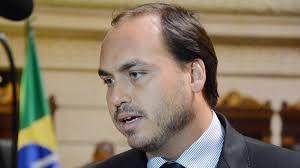 COLOCOU DE CASTIGO: Carlos veta acesso de Jair Bolsonaro ao Twitter
