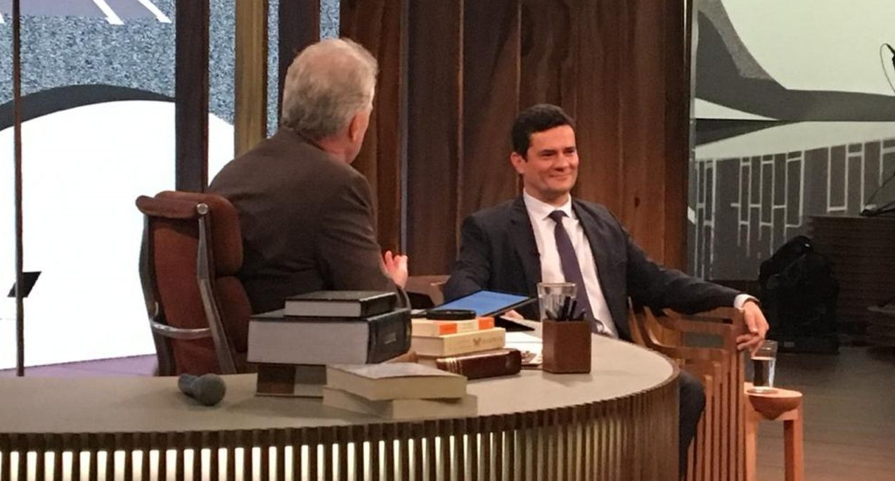 entrevista e1554642536736 - Sérgio Moro brinca com meme para divulgar data da entrevista no 'Conversa com Bial'