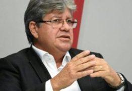 Governador assina contratos do Empreender para comerciantes do São João de Campina Grande
