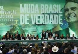 Líder do governo costura aproximação entre Bolsonaro e deputados do PSL