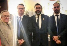 Bolsonaro compartilha vídeo de Olavo de Carvalho com ataques a militares: 'Entregaram o país ao comunismo'