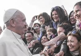 Papa diz que Igreja deve admitir histórico de dominação masculina e abuso de mulheres