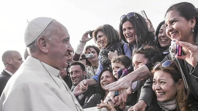 papa - Papa diz que Igreja deve admitir histórico de dominação masculina e abuso de mulheres