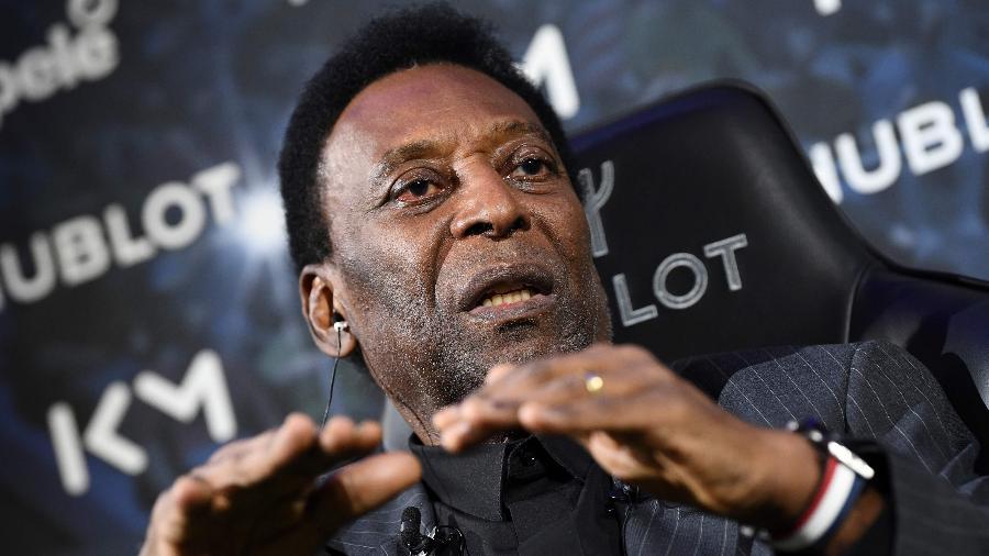 pele - Santos quer coroa no escudo para homenagear Pelé