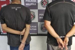 presos moto furtada 300x200 - Após perseguição, dupla é presa com moto roubada em João Pessoa