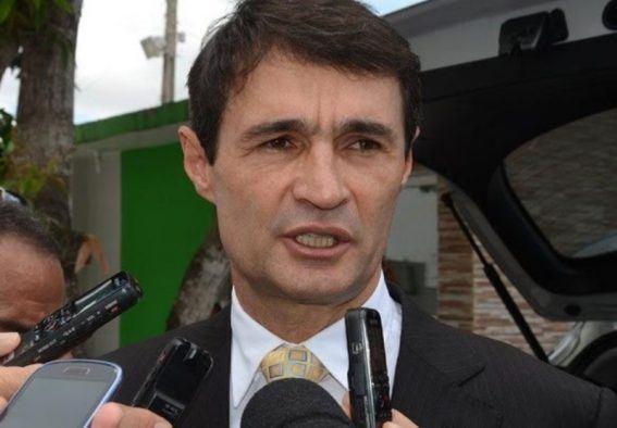 'DEMANDA DA SOCIEDADE': Romero decide vetar tarifa mínima para transporte por aplicativos; OUÇA