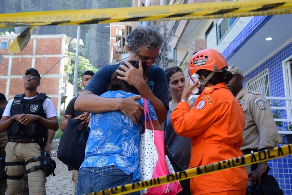 tnrgo abr 20190413 1423 1024x683 - COMUNIDADE DA MUZEMA: Bombeiros encontram mais um corpo; total de mortos chega a 10