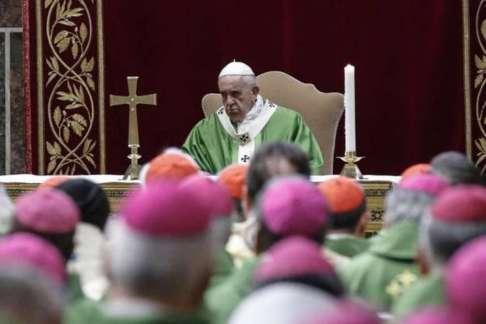 0972496f8a4b2ae622cf3a29fbdcba4c 300x200 - Papa Francisco torna obrigatória denúncia de abusos sexuais