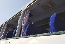 FORTE EXPLOSÃO: Ônibus de turismo é atingido perto das pirâmides de Gizé e deixa feridos