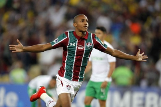 4 1 300x200 - Com noite fenomenal, João Pedro chega a números superiores a Ronaldo e cia no início de carreira