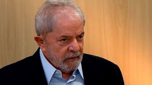 47821703091 d0f7a2e8a9 z - Lula em entrevista: 'Bolsonaro é um doente e acha que o problema do Brasil se resolve com arma'