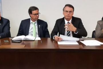 Bolsonaro anuncia convocação de mais de mil policiais federais em todo o Brasil; VEJA VÍDEO