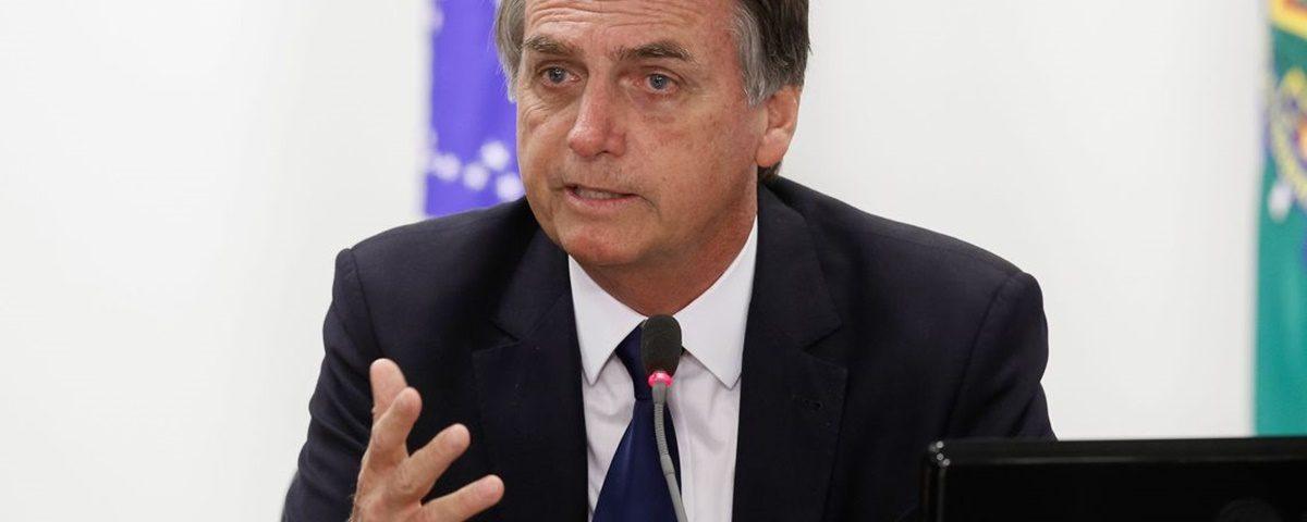 Bolsonaro 3 1200x480 - 'A MARCHA DA ESTUPIDEZ': O presidente Jair Bolsonaro incentiva luta política que lhe é prejudicial - Por William Waack