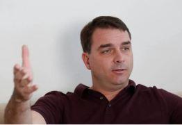 'NÃO SEI ONDE ESTÁ QUEIROZ': Flávio Bolsonaro diz que investigação do MP é ilegal e tem de ser anulada