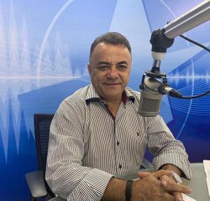 GUTEMBERG CARDOSO 300x287 - Câmara de Cajazeiras aprova medalha de honra ao mérito ao jornalista Gutemberg Cardoso
