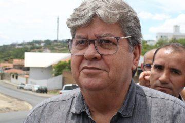 João Azevedo 1200x480 - Governador adota estratégia certa ao reforçar pontes com a bancada