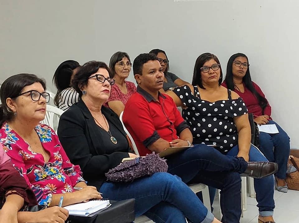 Reunião projeto Família que Acolhe 1 - Prefeita Márcia Lucena participa de reunião sobre o projeto 'Família que Acolhe' do MPPB