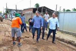 WhatsApp Image 2019 05 09 at 12.28.07 300x200 - Luciano Cartaxo autoriza início das obras do 'Mais Pavimentação' no Geisel e investe em infraestrutura