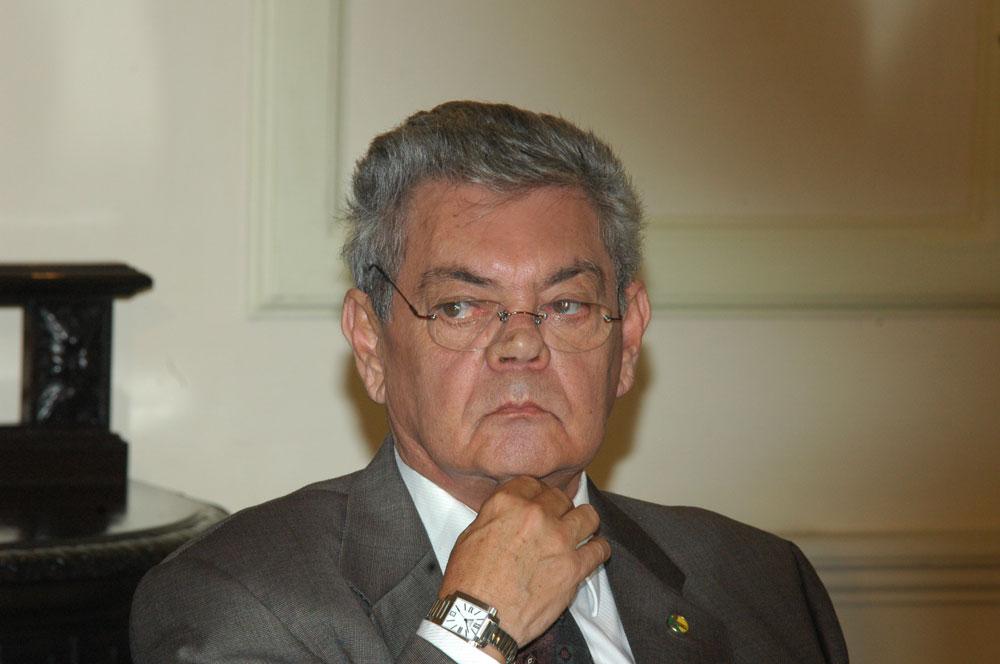 bad83f357697741ec724c0de1800068e - 37 ANOS DEPOIS: A última prorrogação de mandatos de prefeitos beneficiou Ronaldo em 1982 - Por Nonato Guedes