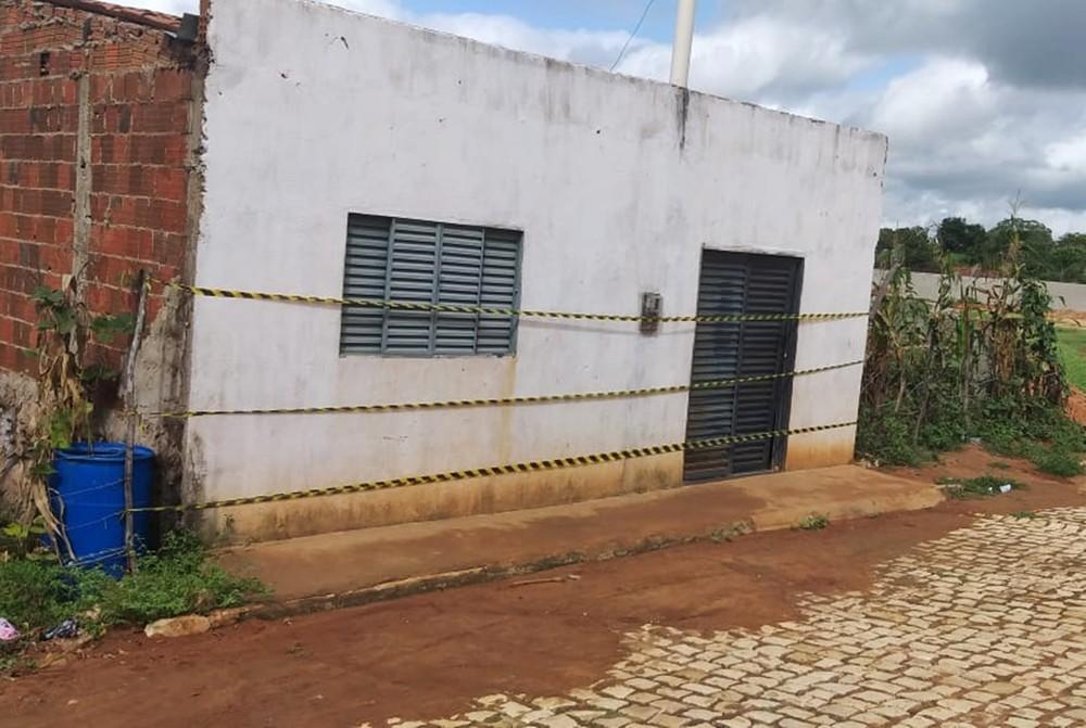 casa - Grávida de três meses é assassinada a facadas; Marido é preso