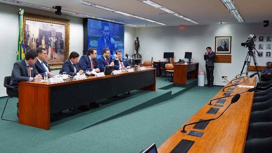 ccj câmara - TRAMITANDO SEM DESTAQUE: CCJ da Câmara aprova reforma tributária
