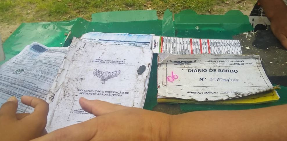 diniz - CORPO É ENCONTRADO: Avião cai com cantor Gabriel Diniz em Sergipe, grupamento confirma mortos - VEJA VÍDEOS DO LOCAL