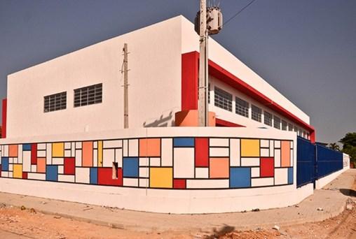 escola helinton santana santa rita2 300x202 - Lei garante matrículas de irmãos na mesma escola da rede estadual, na Paraíba