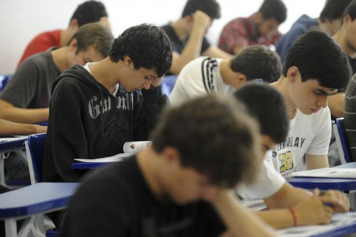 estudantes 0 - Matrícula para alunos novatos da rede pública estadual da PB começa nesta segunda-feira (25)