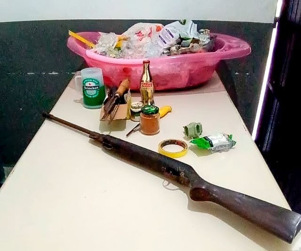 furto alimento 2 - PMs se comovem após homem com sete filhos ser preso por furtar comida e doam cestas básicas