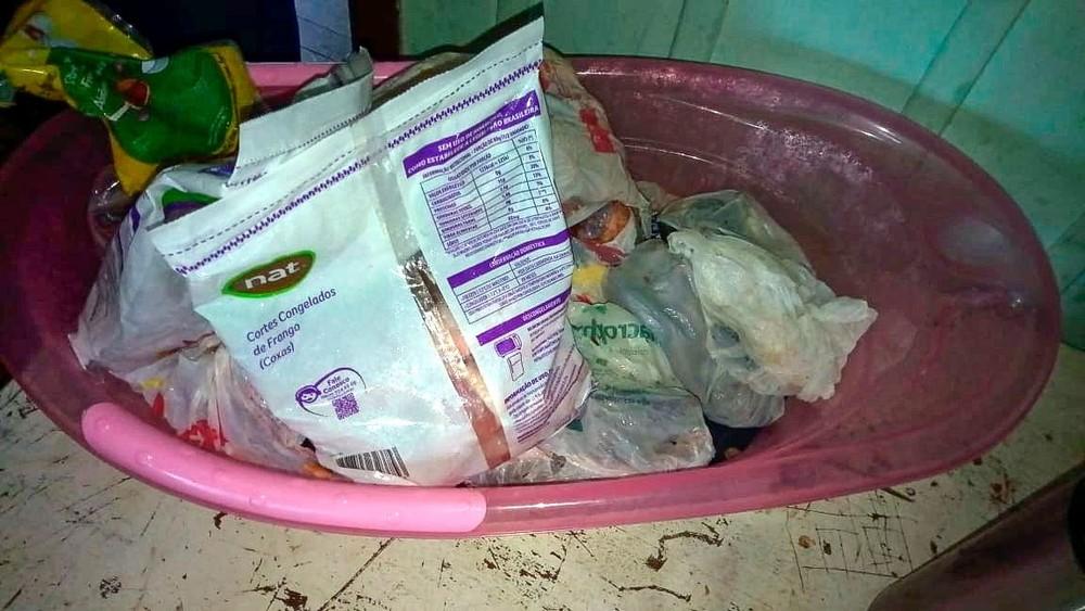furto alimento - PMs se comovem após homem com sete filhos ser preso por furtar comida e doam cestas básicas