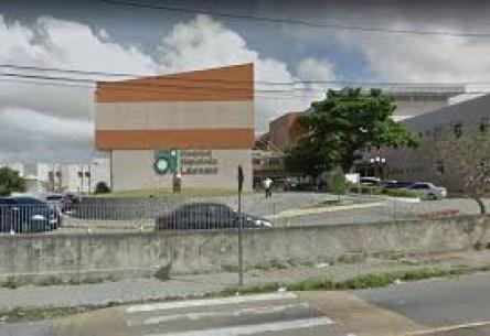 images 4 - CHUVAS: Árvore cai no estacionamento do Hospital Napoleão Laureano, em João Pessoa