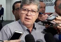 'Vai ter que continuar administrando a cidade de Campina Grande, mesmo da forma capenga que ele faz', dispara João contra gestão Romero, em CG