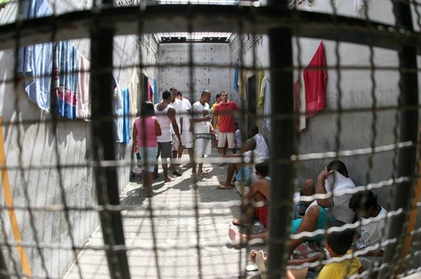 presos - DINHEIRO OU TRABALHO: Senado discute projeto que prevê ressarcimento de custos com presos no Brasil