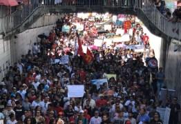 'IDIOTAS NÃO, RESPONSÁVEIS PELO FUTURO DA NAÇÃO':UNE rebate declaração de Jair Bolsonaro