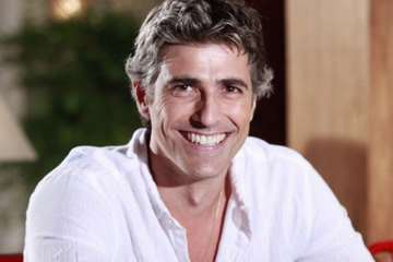 reynaldo destaque - Reynaldo Gianecchini aparece peladão em 'A Dona do Pedaço' e causa euforia na web