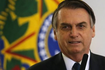 x82162350.zip.jpg.pagespeed.ic .BzSYRgnlvm - Bolsonaro nega ter sancionado projeto que anistia multa a partidos