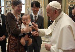 """""""O aborto nunca é a resposta ideal"""", declara papa Francisco"""