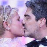 xuxa 2 - CLIMA DE ROMANCE: Xuxa divulga foto sem roupa com namorado e causa alvoroço nas redes sociais