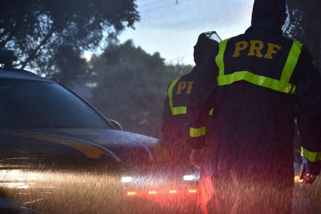 0654b4f8 9729 4108 b5fd 827e6e2f04a8 1024x683 - Motociclista morre após bater em ônibus da banda Aviões do Forró