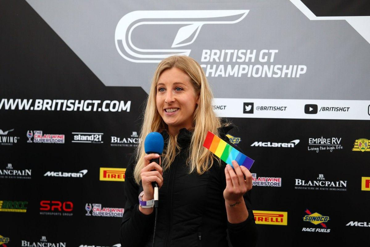 1200px Race Driver Charlie Christina Martin 1 - VISIBILIDADE: Charlie Martin será a primeira competidora trans corrida de Le Mans