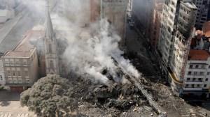 1525203859 345442 1525204146 noticia normal 300x168 - Líderes 'sem teto' são detidos por cobrança ilegal de aluguéis em prédio que desabou em SP