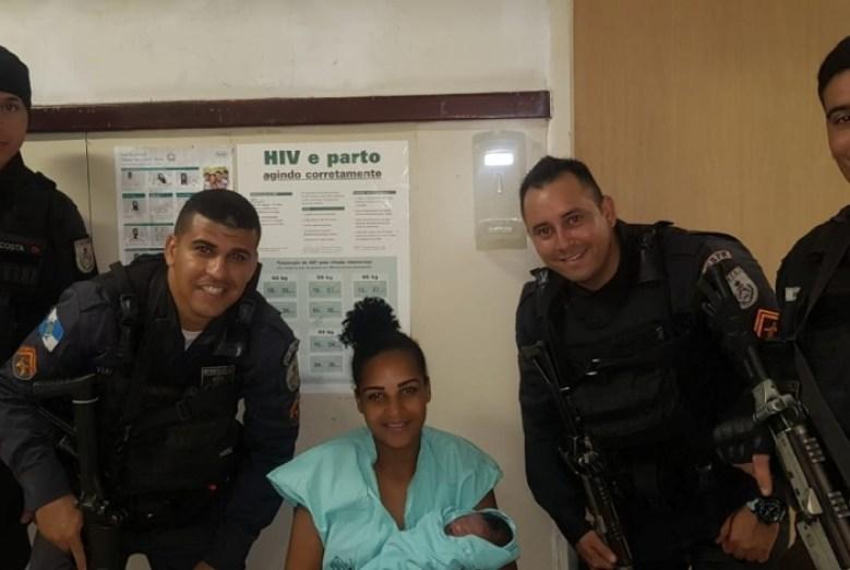1 000 11786260 300x201 - Mulher recebe ajuda de PM para dar à luz e é presa por estar foragida