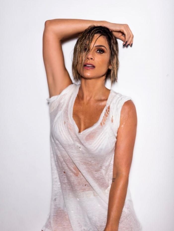 1 flavia 11664529 - Flavia Alessandra sensualiza nas redes sociais e fãs piram