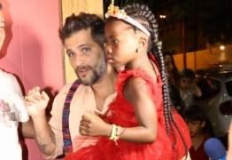 Thiago Gagliasso não comparece ao aniversário de Titi e sua ausência gera polêmica