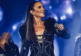 Ivete Sangalo leva tombo em show após fã invadir palco; VEJA VÍDEO