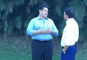 ALCOLUMBRE 300x207 - RELAÇÃO COM SENADORES PARAIBANOS: Davi Alcolumbre concede entrevista exclusiva à TV Arapuan em Campina Grande; VEJA VÍDEO